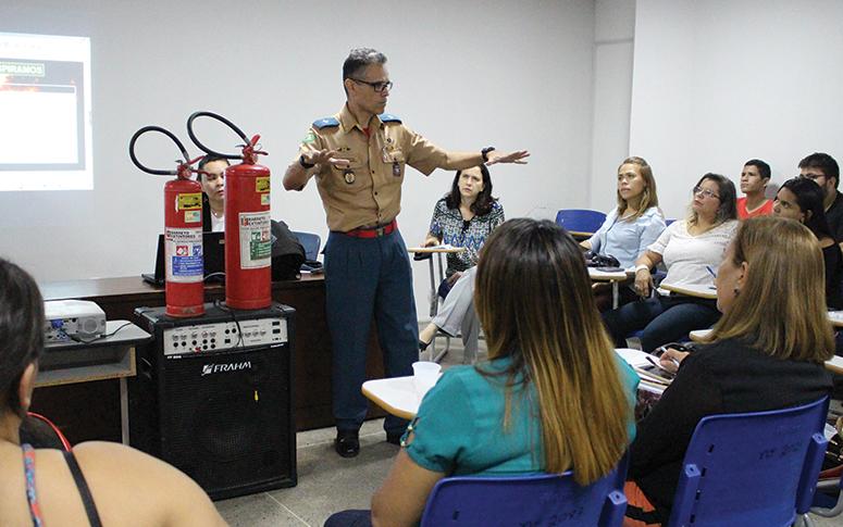 Prevenção de queimaduras é focada em Colóquio da ESP/CE